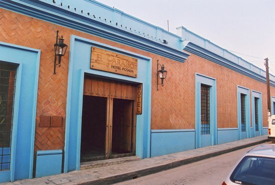 Hotel Posada El Paraiso: View from the street