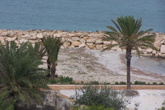Phenix de Mahdia: not so golden sandy beach