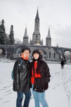 Sanctuaire Notre Dame de Lourdes: Me & Nene @ the fore ground of Basilica of Our Lady of Lourdes.