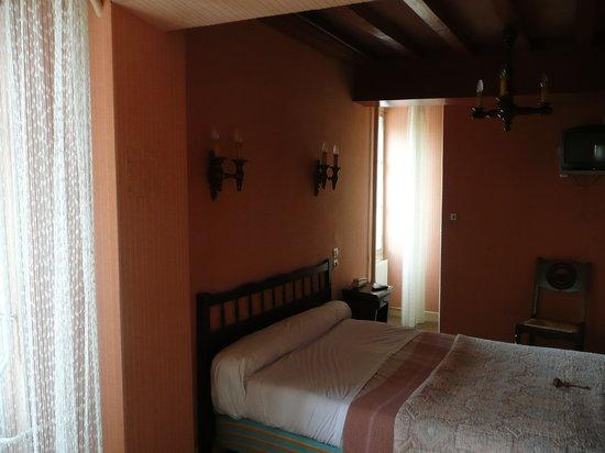Le Relais du Morvan : Dbl bed room