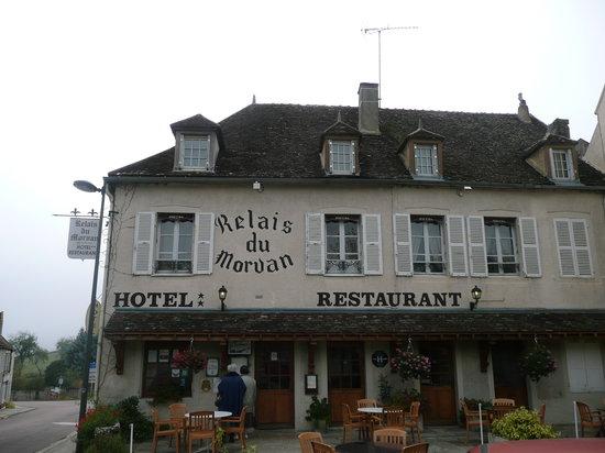 Le Relais du Morvan : hotel beside small road