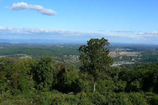 Ramada Strasburg: View of the Shenandoah valley