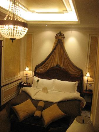 Hotel Plaza Grande: our room