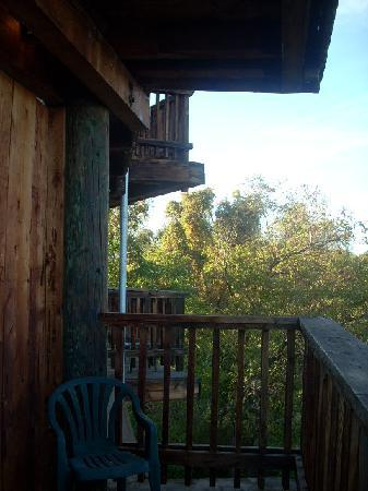 Budgetel River Inn Redding Hotel: Each room has a deck