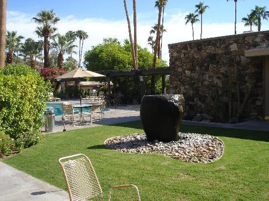 Desert Hills : Fountain
