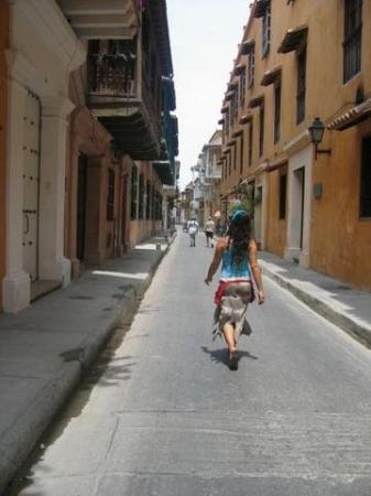 Muraille : Por las calles de Cartagena, Colombia. Una de las ciudades mas bonitas que conocí