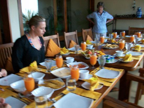 South Point Villa: Breakfast