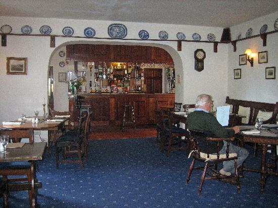 Moryd Restaurant, Mansion House Llansteffan: bar area
