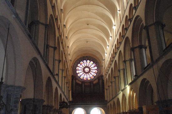 Auberge de Jeunesse de Tournai : Tournai - Catedral de Notre Dame >Innere,part 2