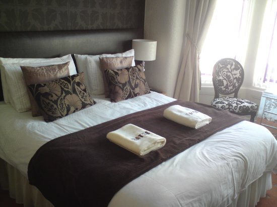 The Kenley: The premier room