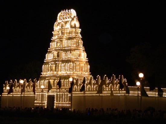 Mysore Maharajah's Palace (Amba Vilas): temple_lights_212