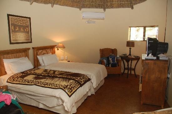 Kwena Chalets - Sun City: Our room 2.
