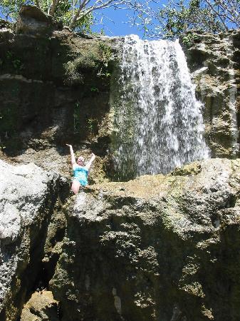 Tango Mar Beachfront Boutique Hotel & Villas: Tango Mar private waterfall on the nature path