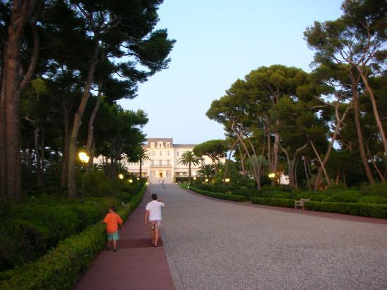 Hotel du Cap Eden-Roc: Great Landscaping