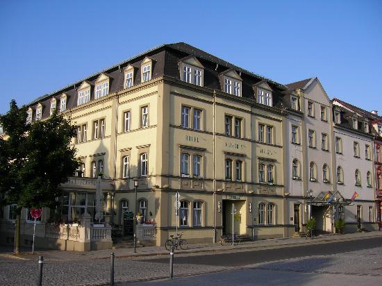 Hotel Kaiserin Augusta: 外観