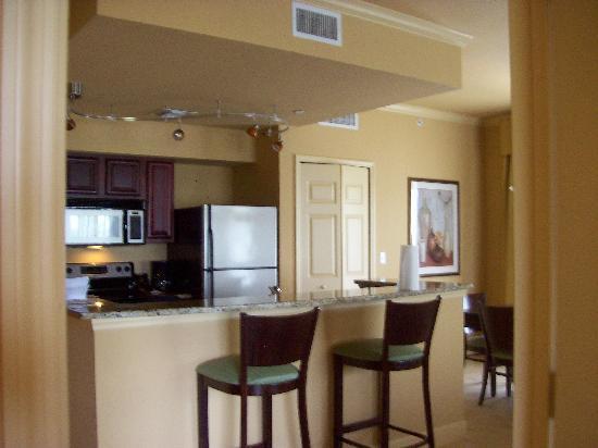 Lake Eve Resort: Full Kitchen (Granite Countertops)