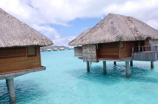 Four Seasons Resort Bora-Bora : Overwater bungalows