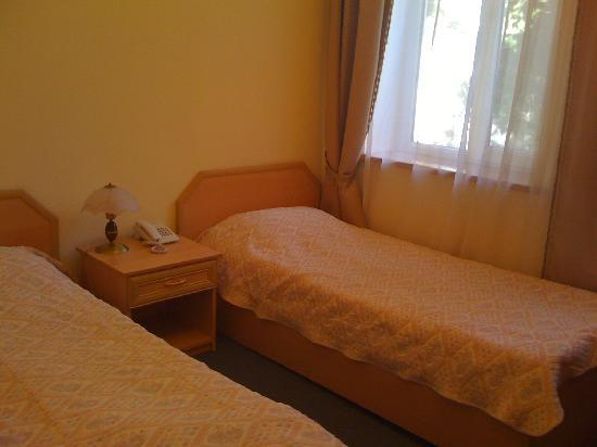 Guest House Inn & Hostel