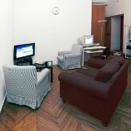 Capital Hostel: common room