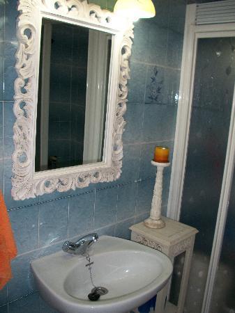 Apartamentos Mayoysa: El baño