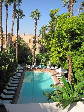 Les Jardins de la Medina: swimming pool and garden