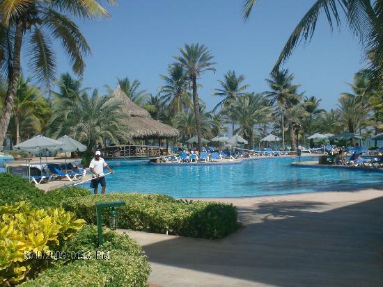 SunSol Isla Caribe: La piscina
