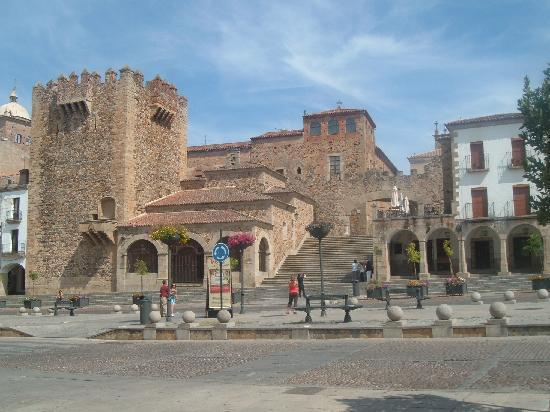 Old Town of Caceres: Plaza Mayor , torre de Bujaco (Caceres)