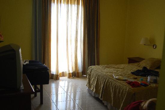 Residencial Lilian: Room