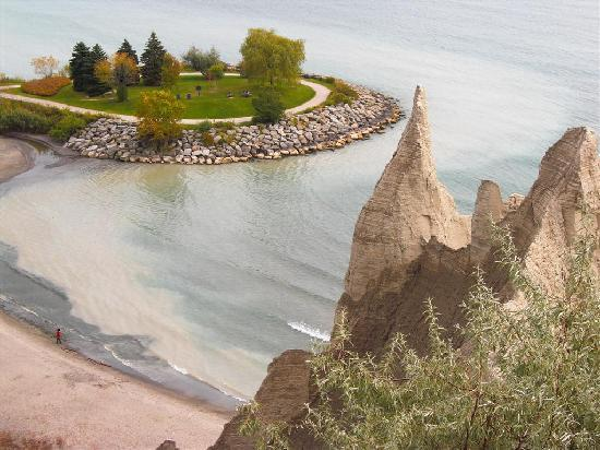 Scarborough Bluffs: view of the little bay