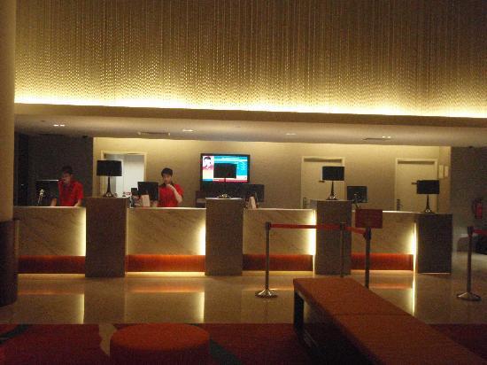 Ibis Singapore on Bencoolen Hotel - Room Deals, Photos