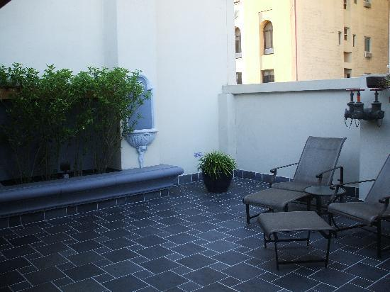 โรงแรมแฮนด์เลย์ ยูเนี่ยนสแควร์: Outdoor patio
