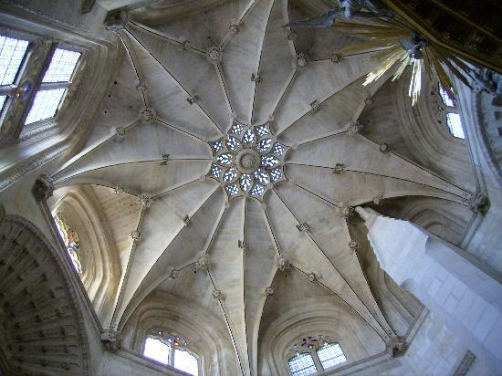 Catedral De Burgos: ceiling in Burgos cathedral