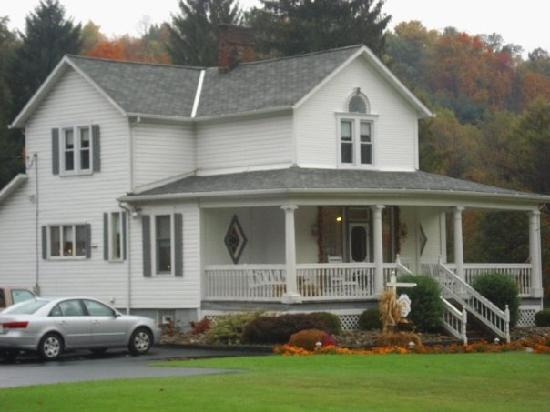 Country Seasons Bed & Breakfast Inn: Country Seasons B and B