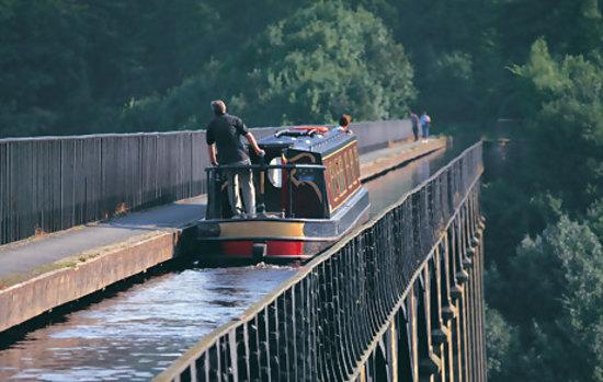 Лланголлен, UK: Crossing Pontcysyllte Aqueduct