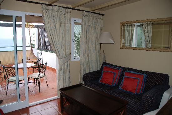 Hotel Carabeo / Room Buriana