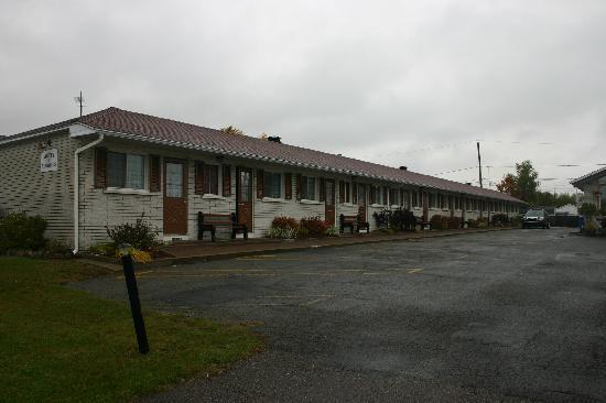 Motel le Marquis: vue des chambres