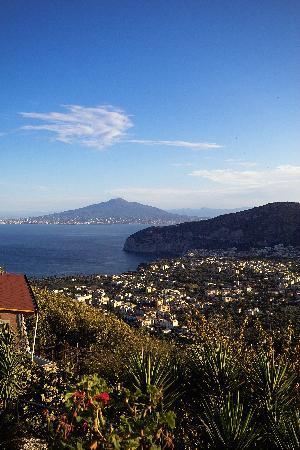 Blick aus dem Zimmer auf den Vesuv
