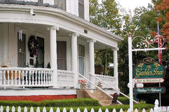 Gables: Front entrance