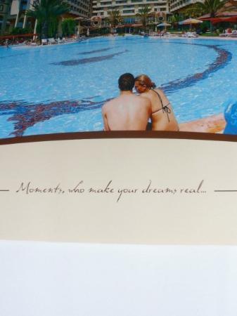 "Nova Park Hotel: Die offizielle Hotelbroschüre samt dazugehörigem Motto: ""Moments, who make your dreams real"". Wa"