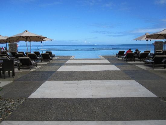 InterContinental Fiji Golf Resort & Spa: The stunning infinity pool