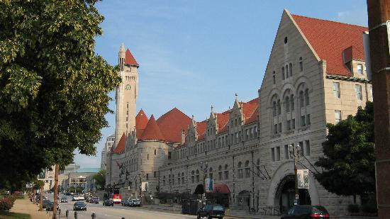St. Louis Union Station: Outside of Union Station