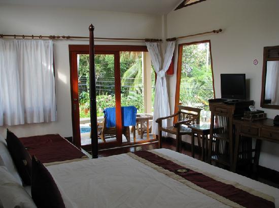 Khanom Hill Resort: Interior of bungalow.