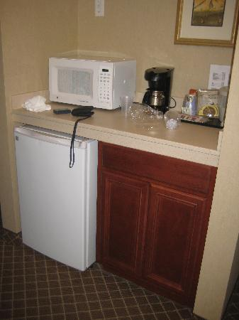 Holiday Inn Express Hotel & Suites Marysville: The mini-kitchen