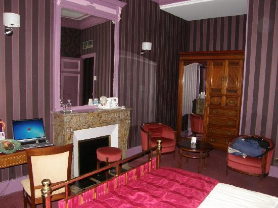 Mercure Lyon Centre Chateau Perrache: A pleasantly large room.