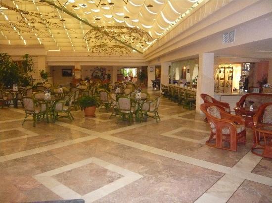 Hotel Aqua: Lobby Bar