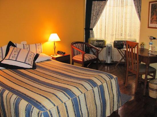 Hotel Torre Dorada: Room 303