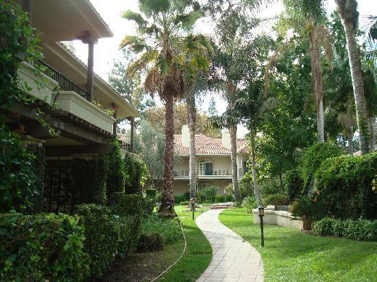 gardens - Picture of Westlake Village Inn, Westlake Village ...