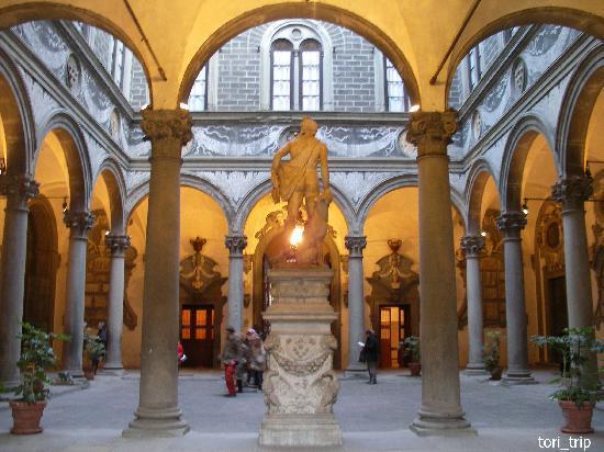Palazzo Medici Riccardi: ロッジア