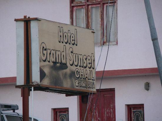 Hotel Grand Sunset: Hotel Sign