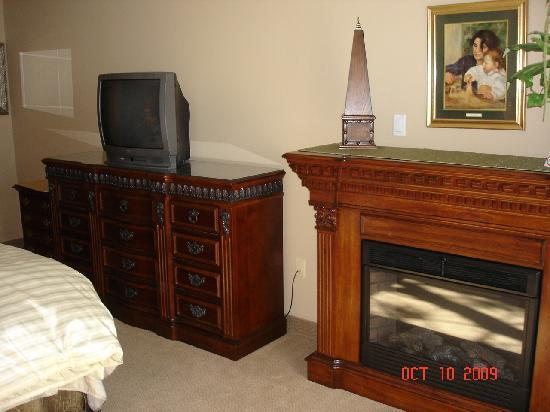 Old Stone Inn Boutique Hotel: We had the room with a fireplace